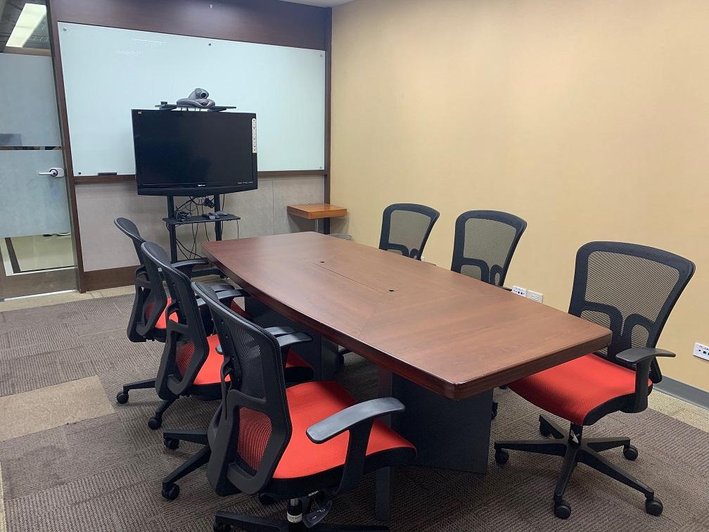 小會議室(容納人數:約6人)